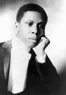 an analysis of the works of paul laurence dunbar Poems by paul laurence dunbar paul laurence dunbar [1872-1906] was the first african-american poet to garner national critical acclaim born in dayton, ohio, dunbar penned a large body of dialect poems, standard english poems, ess.